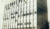 Foto em preto e branco da fachada Escola Nacional de Saúde Pública (Ensp)