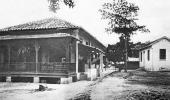Foto em preto e branco das primeiras instalações do Instituto Soroterápico Federal